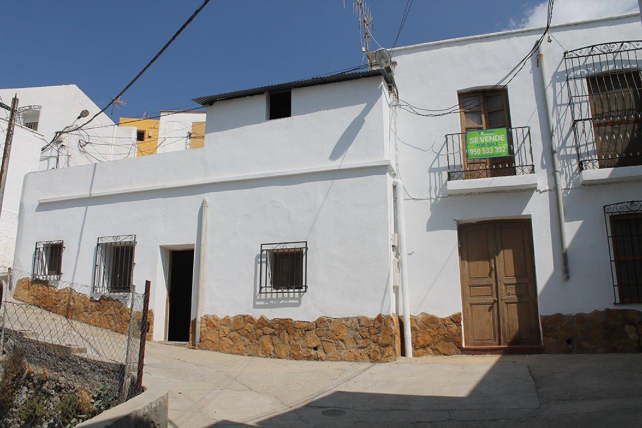 Casa en Santa Cruz de Marchena…Rebajado Antes 76.000€ Ahora 50.000€