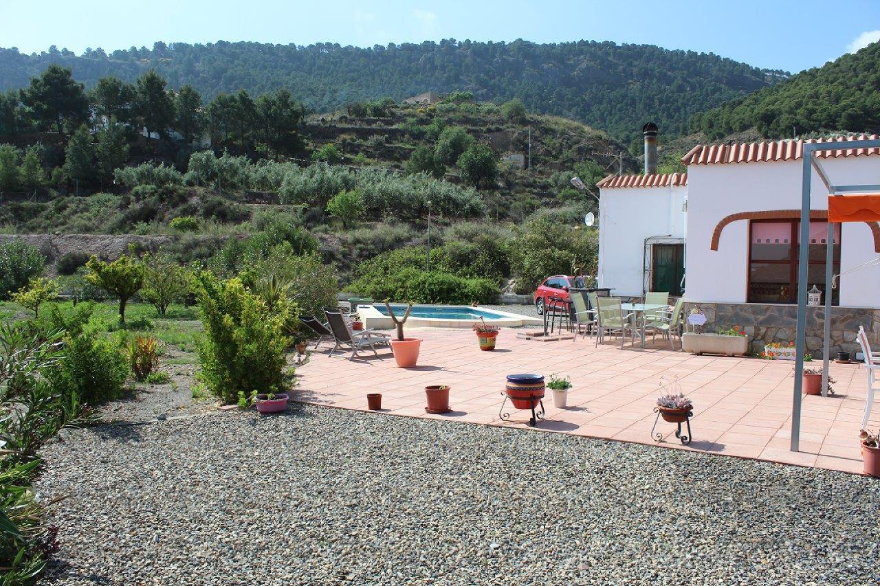 «REBAJADO» Cortijo con piscina en Alhama de Almeria