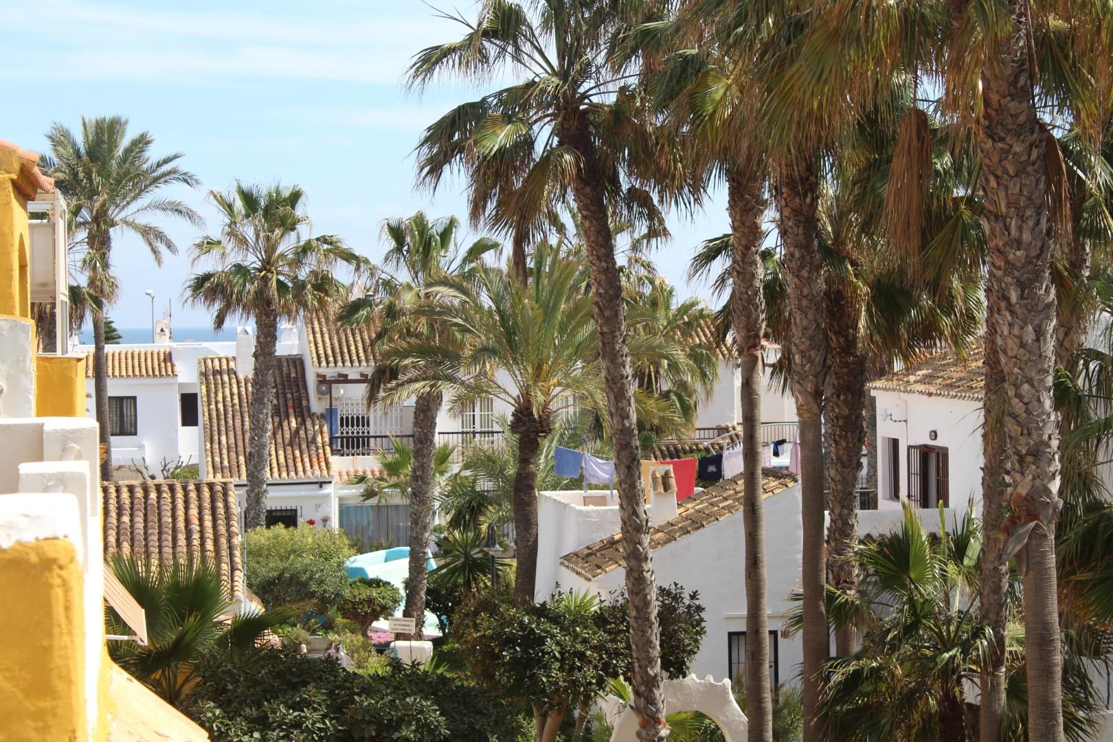 «Los Mangos» , Residencial en Primera Linea de Playa