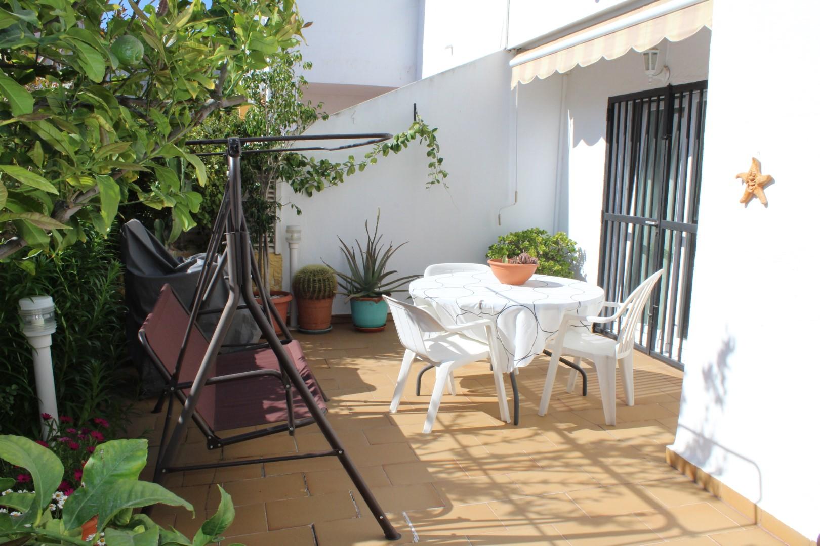 Duplex con sótano en Urbanización de Roquetas